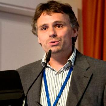 Dr. Fabian Leendertz